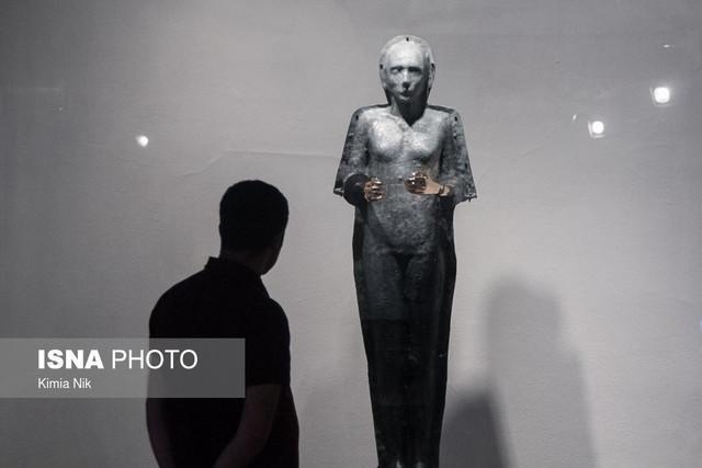افتتاح یک گالری با نمایش آثار یک مجسمه ساز