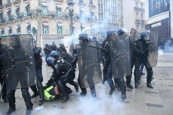 27 هزار نفر در فرانسه تظاهرات کردند، درگیری پلیس با معترضان