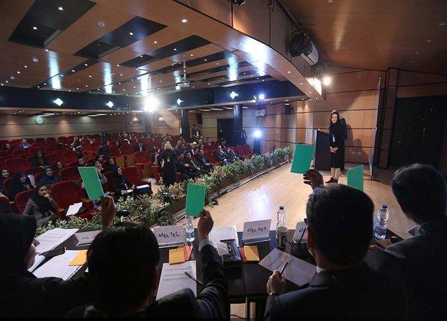 رقابت سه دقیقه ای دانشجویان استان زنجان برای دفاع از خاتمه نامه