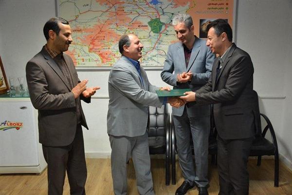 تفاهم نامه همکاری مابین دو اداره میراث فرهنگی و آموزش و پرورش ناحیه دو شهرستان سنندج منعقد شد