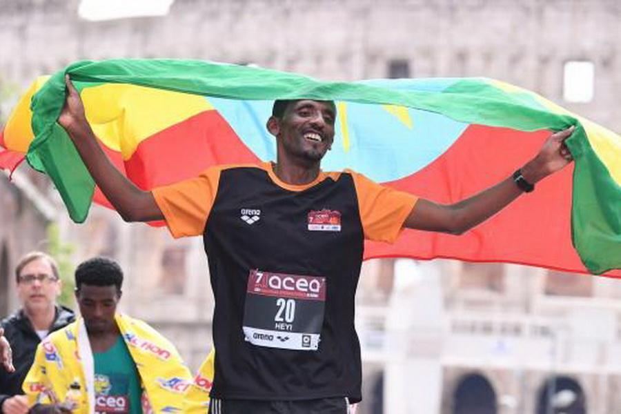 دونده اتیوپی برنده مسابقه دو ماراتون رم شد