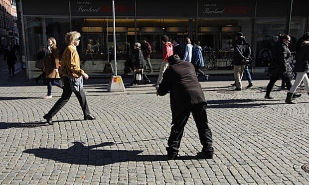 تکدی گری در استکهلم منوط به کسب مجوز