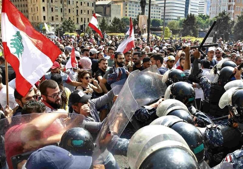 تداوم اعتراضات اقتصادی در لبنان ، معترضان راههای اصلی را بستند