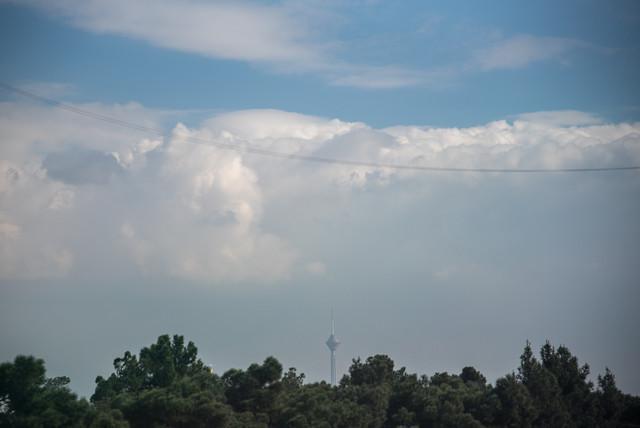 هوای قابل قبول تهران در آخرین روز سال