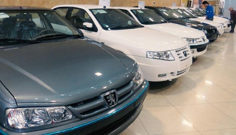 چرا مسئولان تکلیف قیمت خودرو در سال 99 را معین نمی نمایند؟