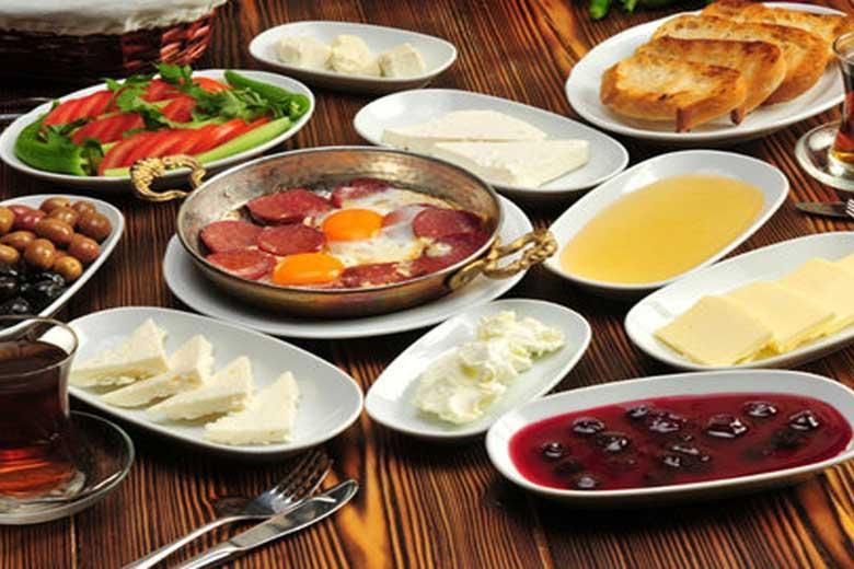 13 ماده غذایی برای یک صبحانه مقوی