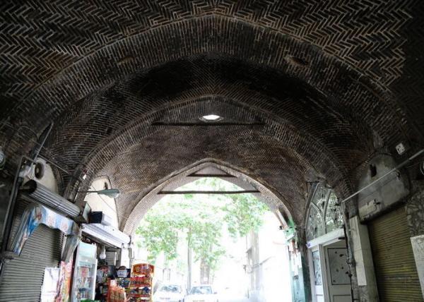 خبرنگاران طراحی بازسازی بازارچه قاجاری نائب آقا در تهران شروع شد