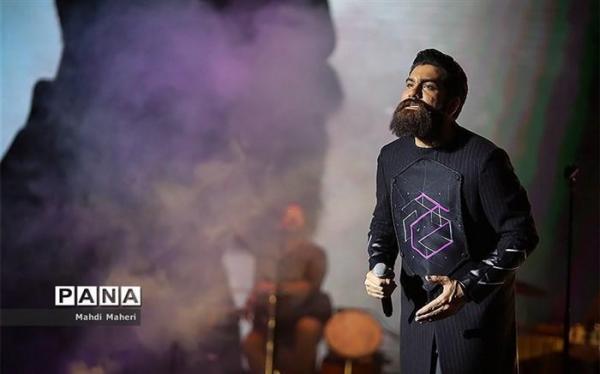 مجموعه جدید علی زندوکیلی با اشعاری از فروغ فرخزاد