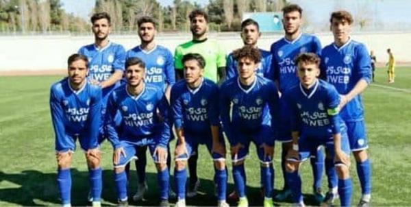 پیروزی امید های استقلال در مسابقه ای با 13 کارت زرد و قرمز خبرنگاران