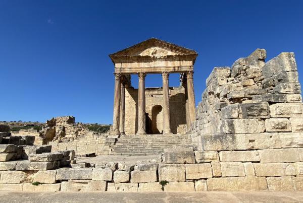 شهر باستانی دقه؛ شاهدی از تمدن روم