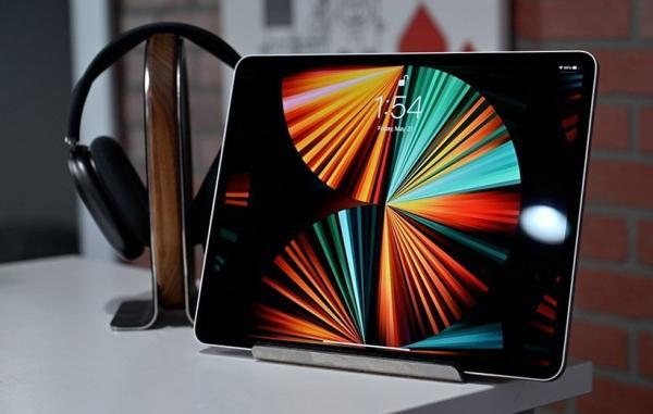 اپل شاید در آیپد ایر نسل پنج از نمایشگر OLED استفاده کند